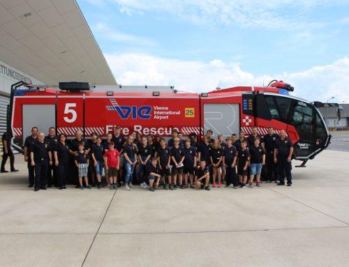 Feuerwehrjugend besucht Flughafenfeuerwehr